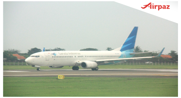 Upaya Evakuasi Pesawat Garuda Tergelincir di Lombok