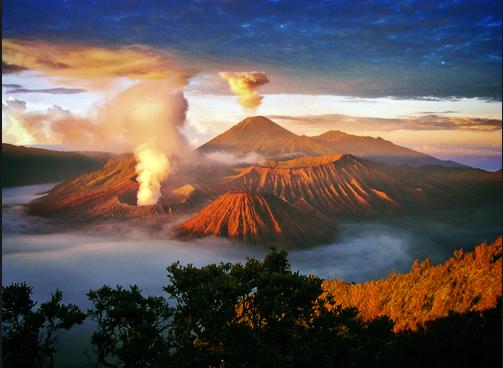 10 Tempat Wisata Indonesai Wajib Dikunjungi Bromo