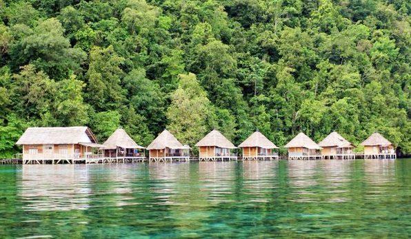 Keindahan Indonesia dari Pantai Ora Maluku Tengah