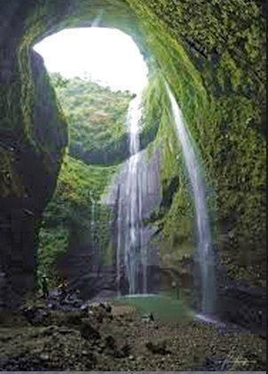 Petualangan Air Terjun Madakaripura