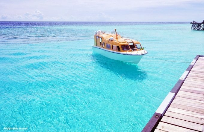 Kecantikan Menawan Pulau Maratua Kalimantan