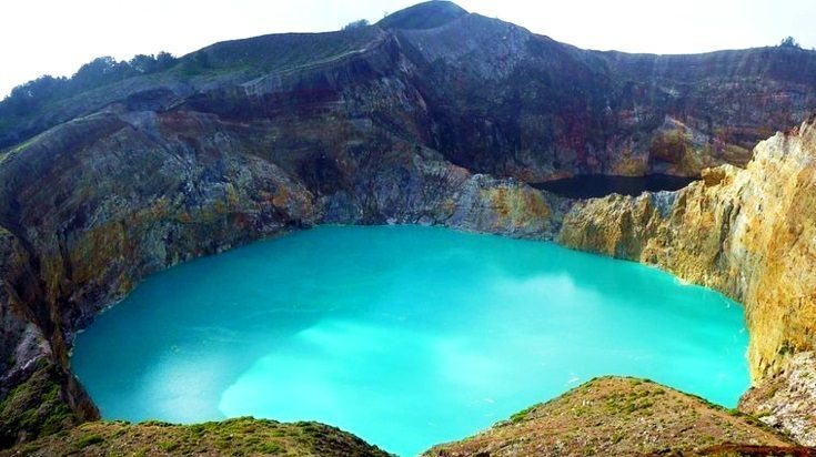 Fenomena Kecantikan Danau Kelimutu 3 Warna, NTT