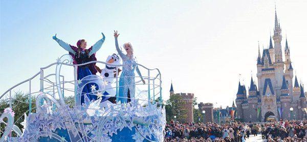 Lengkapi Kebahagiaan Akhir Tahun di Tokyo Disneyland