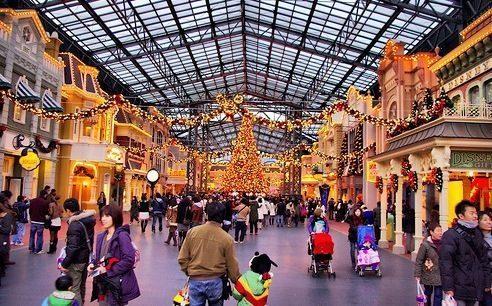 Lengkapi-Kebahagiaan-Akhir-Tahun-di-Tokyo-Disneyland