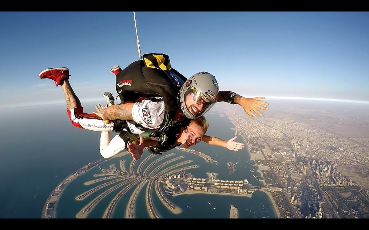 sky diving - dubai