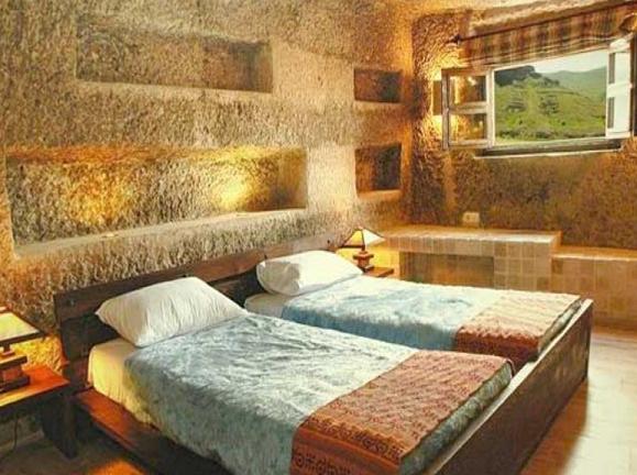 Hotel Laleh Kandovan Rocky2