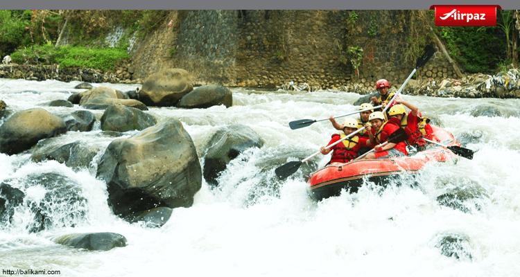 foto arung jeram sungai ayung
