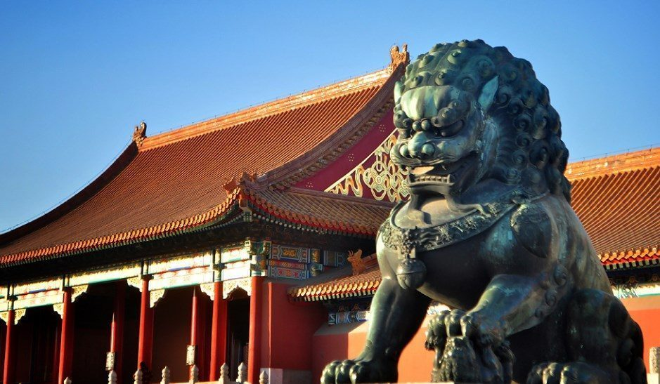 iconic-lion-guard-statue-forbidden-city