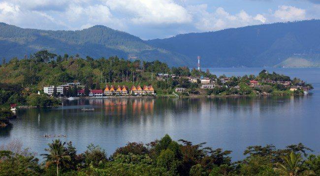Rekomendasi 10 Tempat Honeymoon Di Indonesia Yang Murah