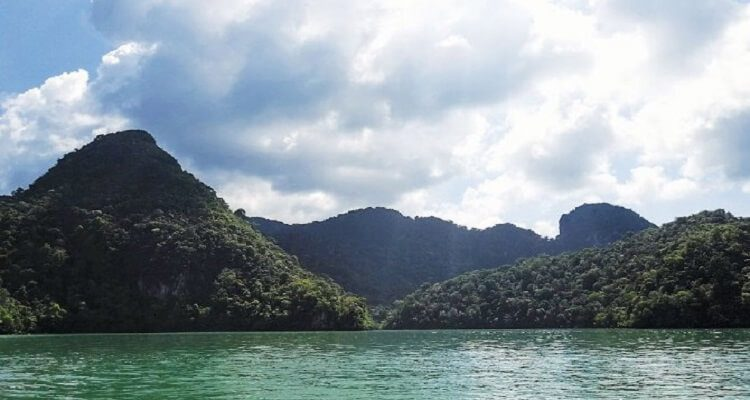 tasik-dayang-bunting-malaysia