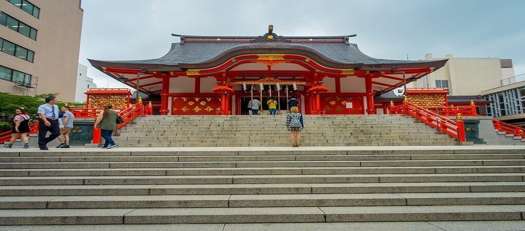 hanazono-jinja-shrine