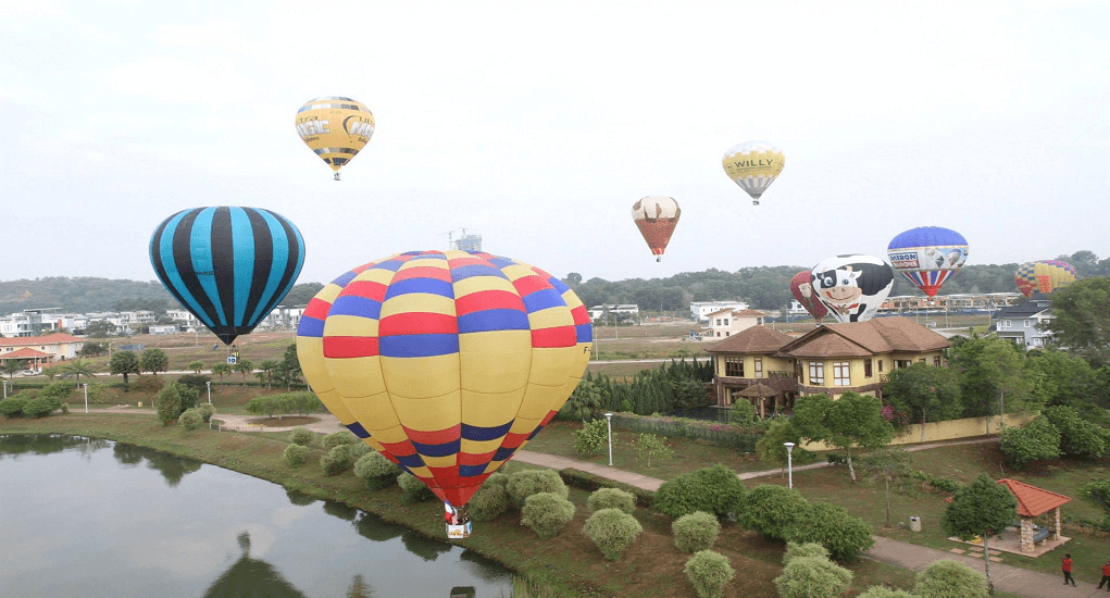 Adrenaline Junkies in Malaysia - Hot Air Balloon in Putra Jaya