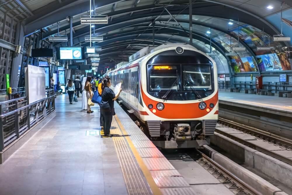 airport-train-in-bangkok