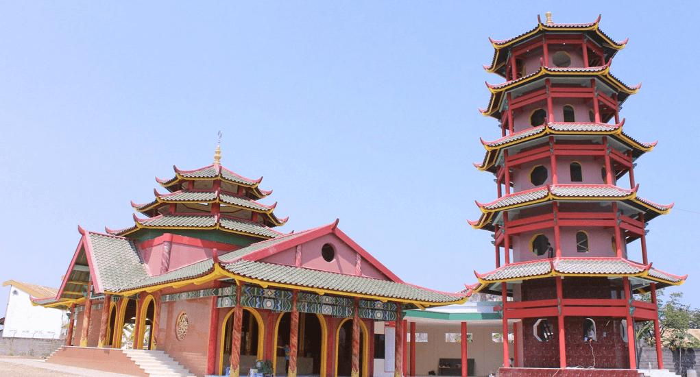 Arsitektur Bangunan Merupakan Perpaduan Islam dan Tionghoa