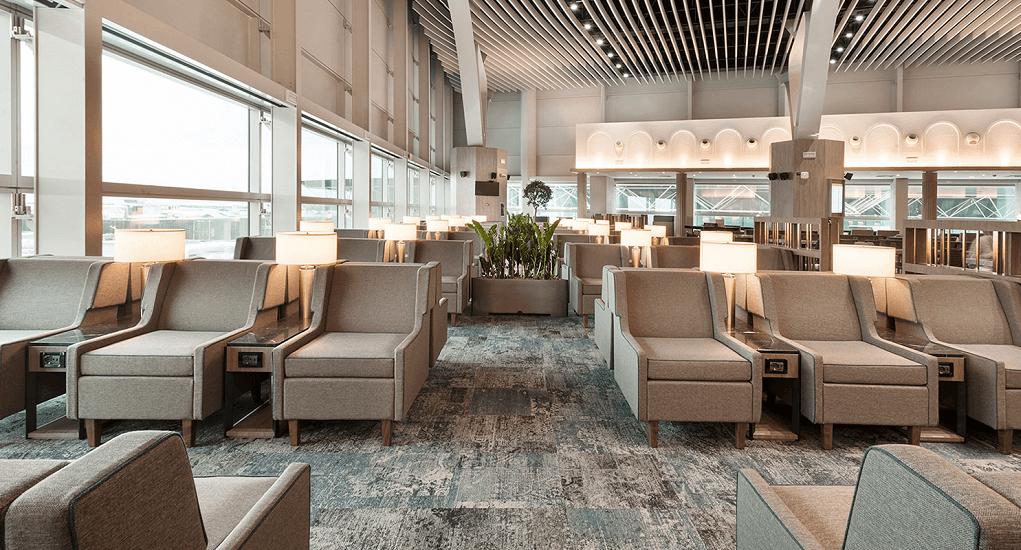 Bandara Penang - Duduk Santai di Kursi Relaksasi