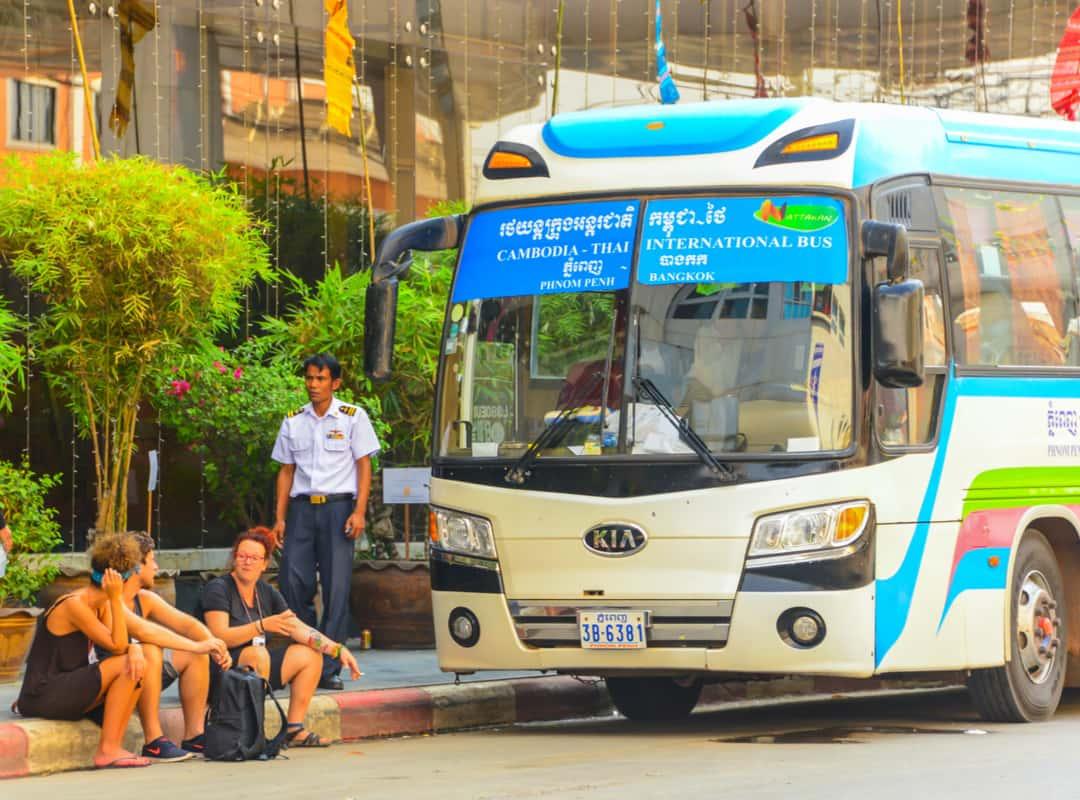 Bus di Kamboja