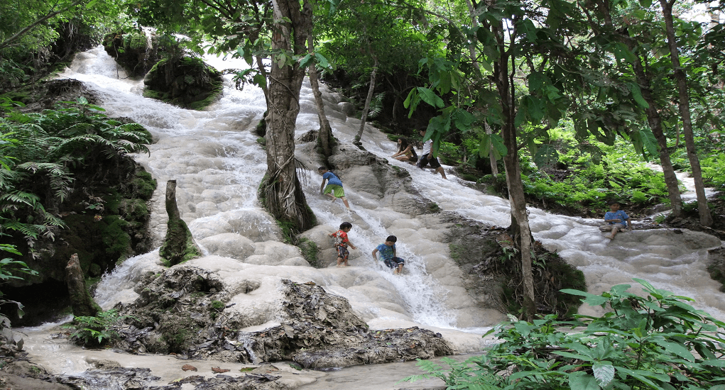 Chiangmai - Sticky Bua Thong Waterfall