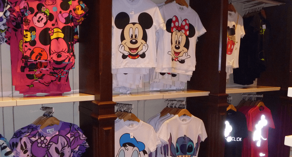 Disneyland Hong Kong - Baju Kaos Khas Disneyland