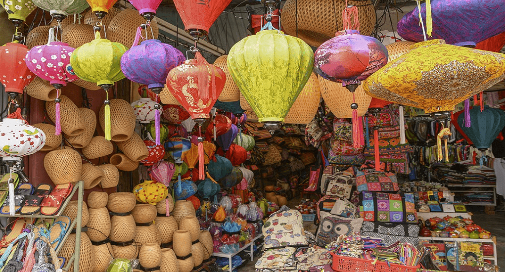 Do in Vietnam - Shopping at Hoi An