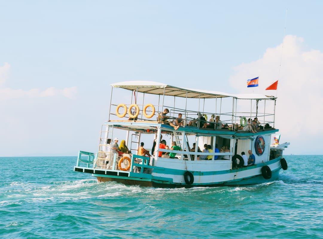 Feri di Kamboja