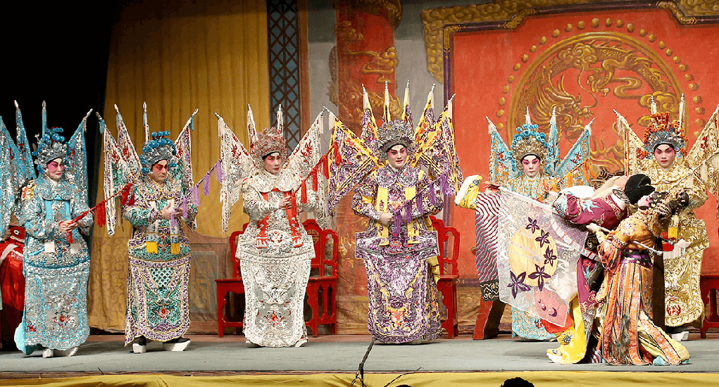 Guangzhou - Menonton Opera