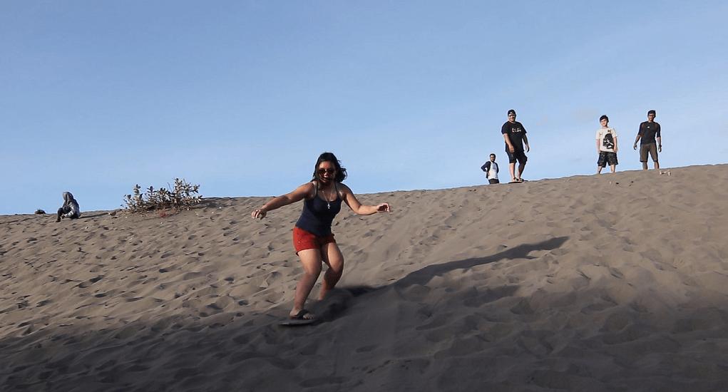 Gumuk Pasir Parangkusumo - Sandboarding dan Fasilitas yang Bisa Dinikmati