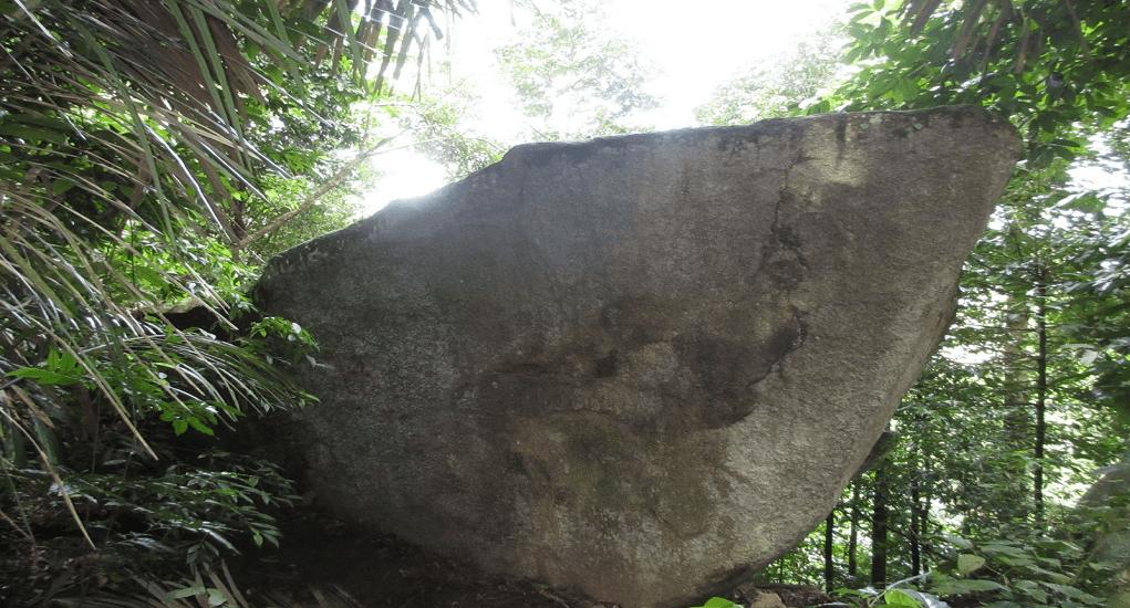 Gunung Jerai - Batu Berbentuk Kapal