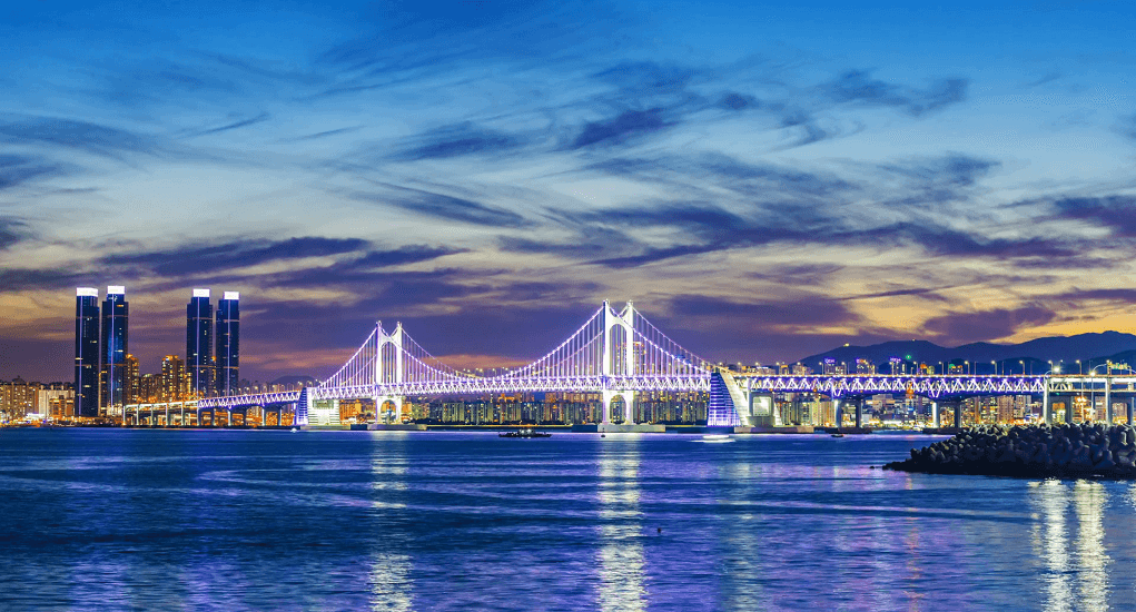 Gwangali beach - Keindahan Pertunjukan Lampu Gwangan Bridge