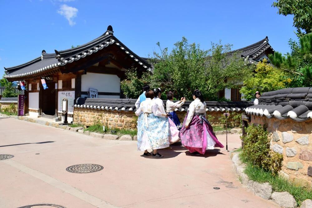gyeongju-traditional-village