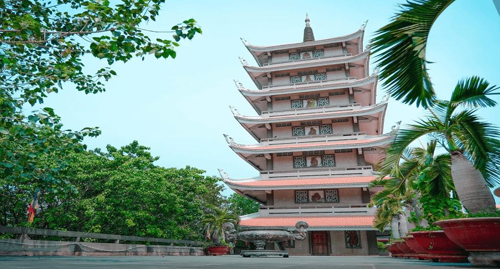 Ho Chi Minh - Vinh Nghiem Pagoda