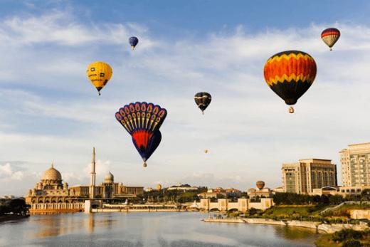 hot-air-balloon-in-putra-jaya
