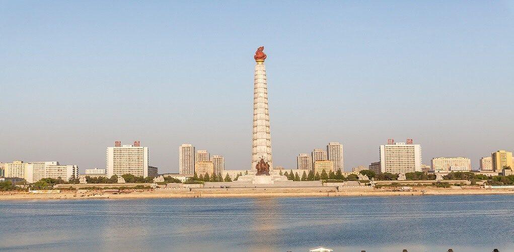 juche-tower
