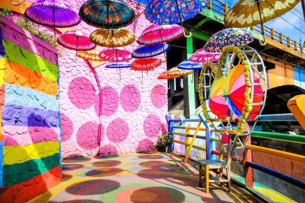 Wisata seru dan menyenangkan di Kampung Warna Warni Bulak