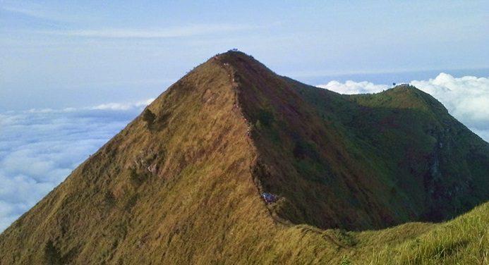 Keindahan Alam dari Puncak Gunung Andong