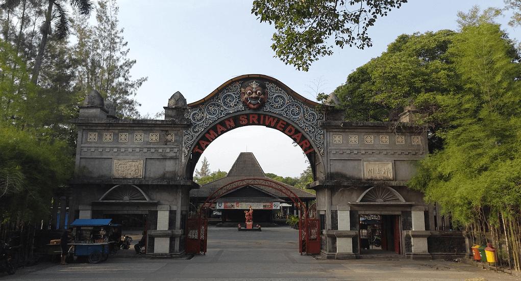 Kota Solo - Taman Sri Wedari