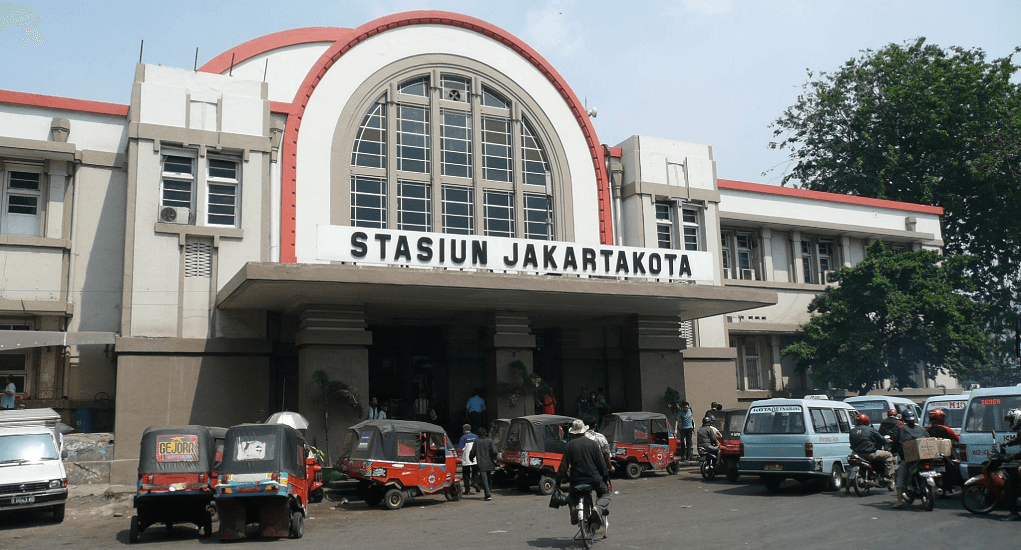 Kota Tua - Stasiun Kereta