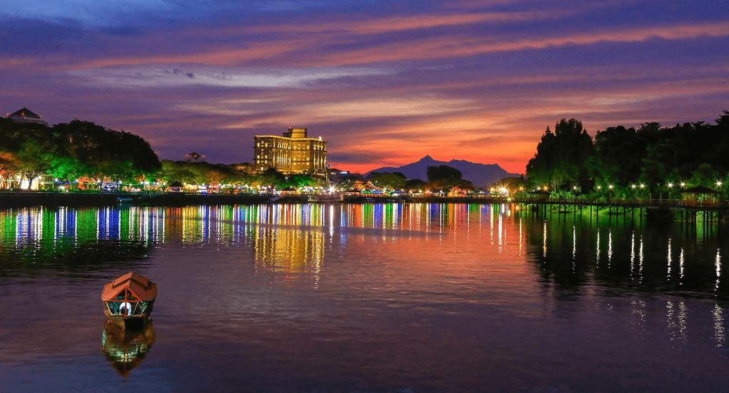 Kuching - Kuching Waterfront