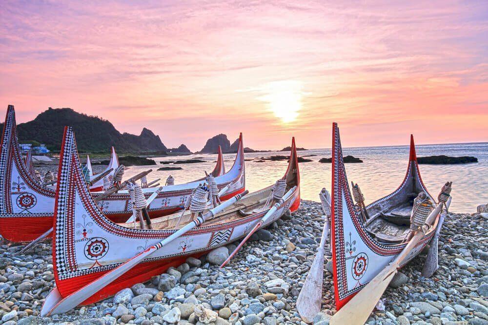 Perahu nelayan tradisioanl suku Aborigin Yami di Orchid Island, Taiwan