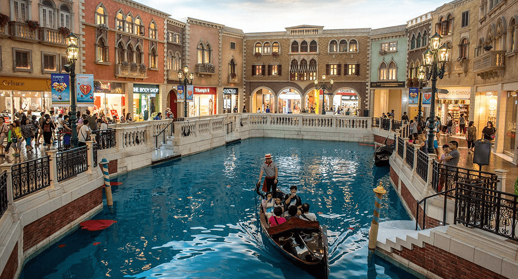 Macau - Live and play within the luxury of Venetian Macao