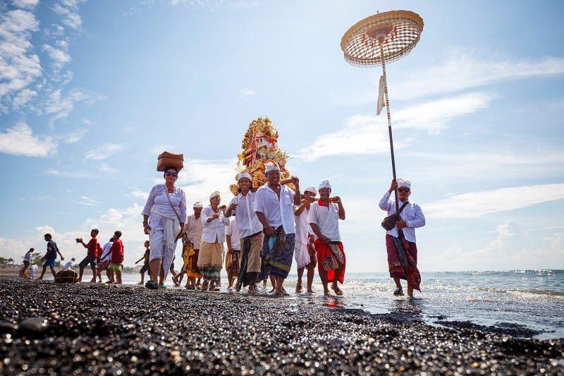 Jangan Lakukan 13 Hal Ini Saat Berkunjung ke Bali!