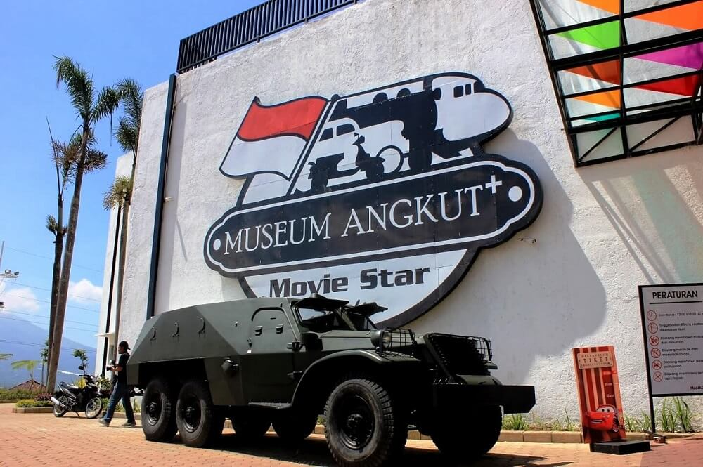 Museum transportasi di kota Malang