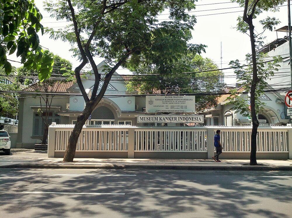 Tampak depan Museum Kanker Indonesia di Surabaya