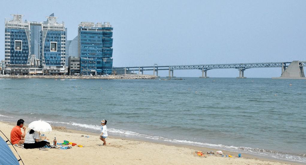 Pantai Haeundae - Spot Terbaik untuk Menikmati Sinar Mentari