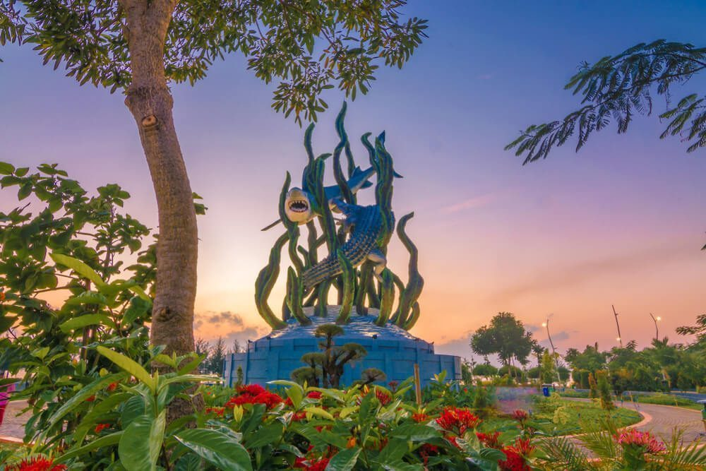 Patung ikonik Surabaya berdasarkan legenda Sura dan Buaya