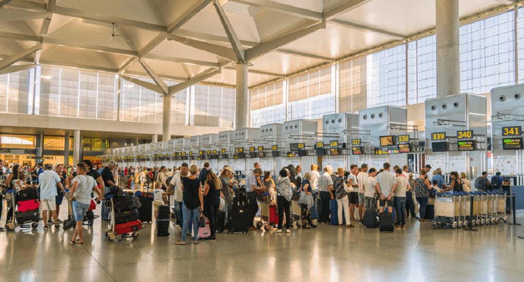 Pemeriksaan di Bandara - Pilih Deretan Antrian yang Tepat
