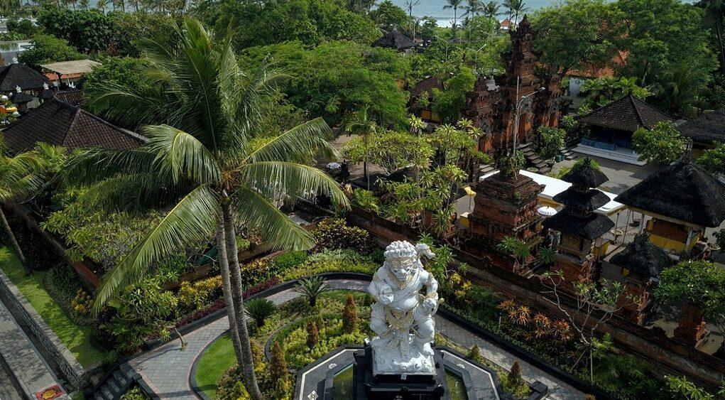 Pura Petitenget Seminyak Tempat Wisata Menarik Di Bali