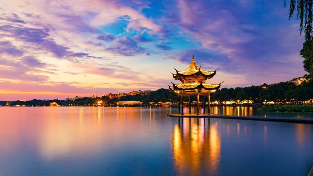 China has many popular tourist cities