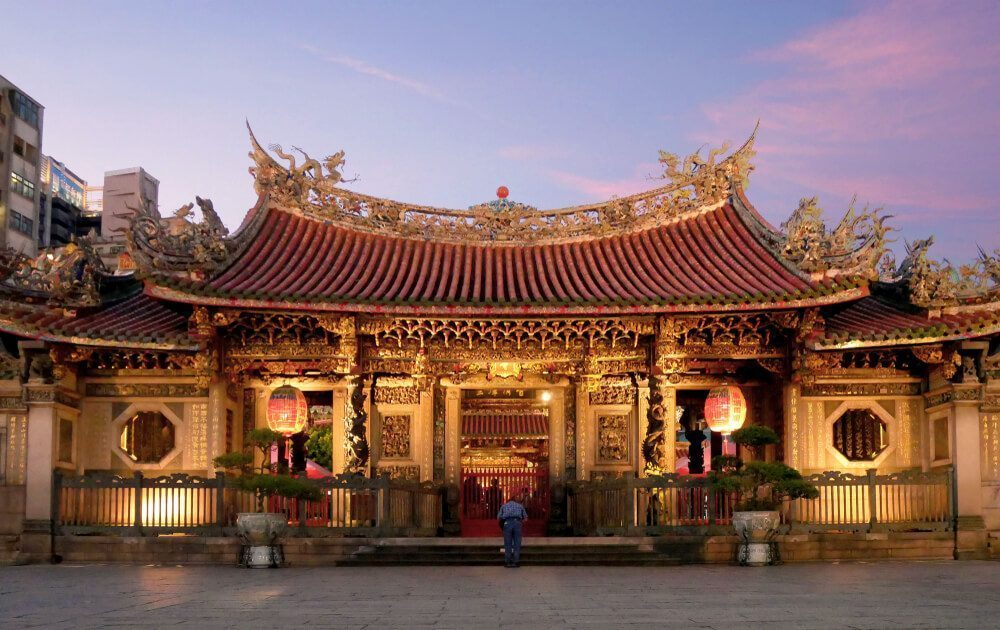 Longshan Temple - Greatest Buddhist Heritage in Taiwan