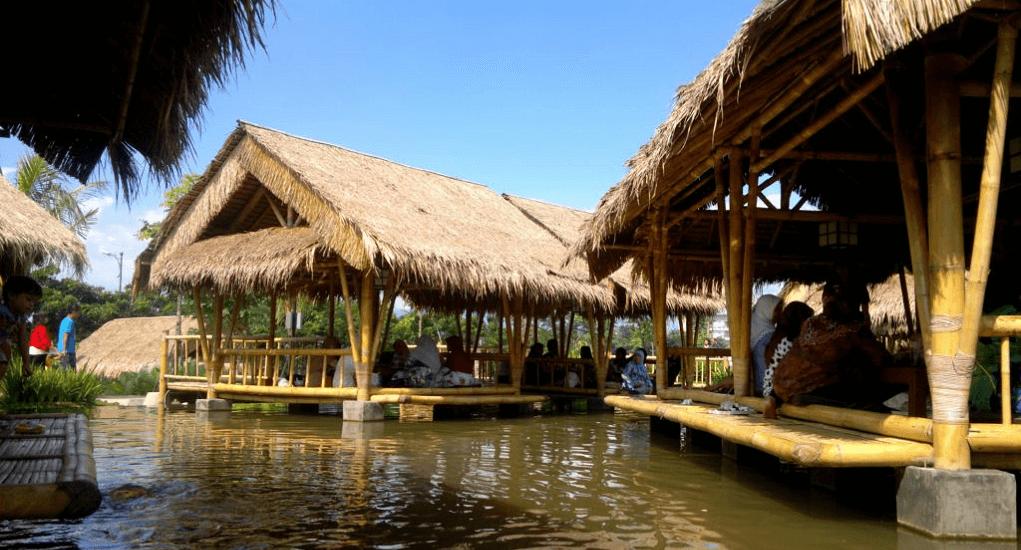 Resto unik di Bogor - Rumah Air Bogor