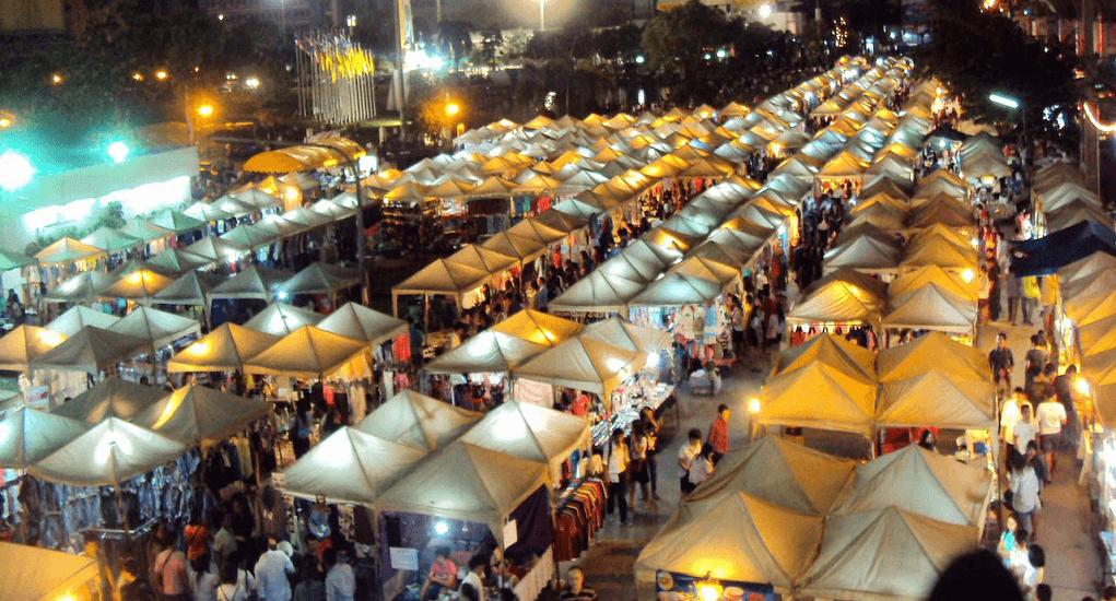 Shopping in Pattaya - Thepprasit Night Bazar